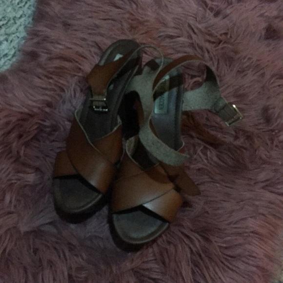 Steve Madden Shoes - Steve Madden platform sandals 👡